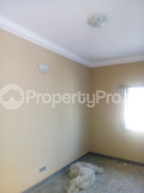 2 bedroom Flat / Apartment for rent adisa bashau street off  Adelabu Surulere Lagos - 4