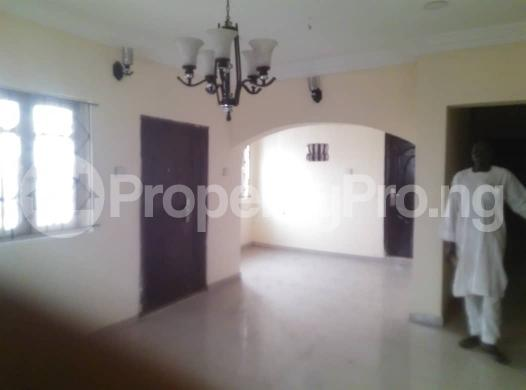 Flat / Apartment for rent off ishaga road,luth idi- Araba Surulere Lagos - 3