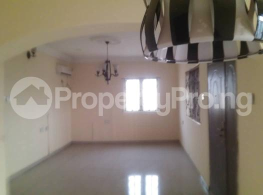 Flat / Apartment for rent off ishaga road,luth idi- Araba Surulere Lagos - 8
