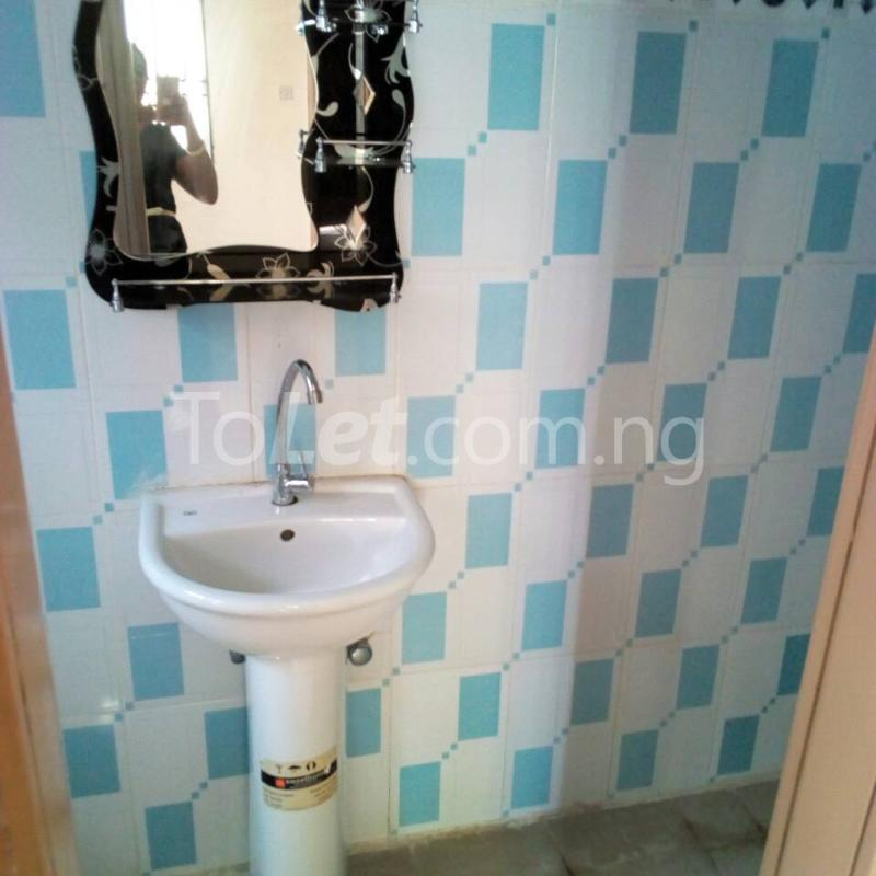 2 bedroom Flat / Apartment for rent Golf Club  Adamasingba Ibadan Oyo - 4