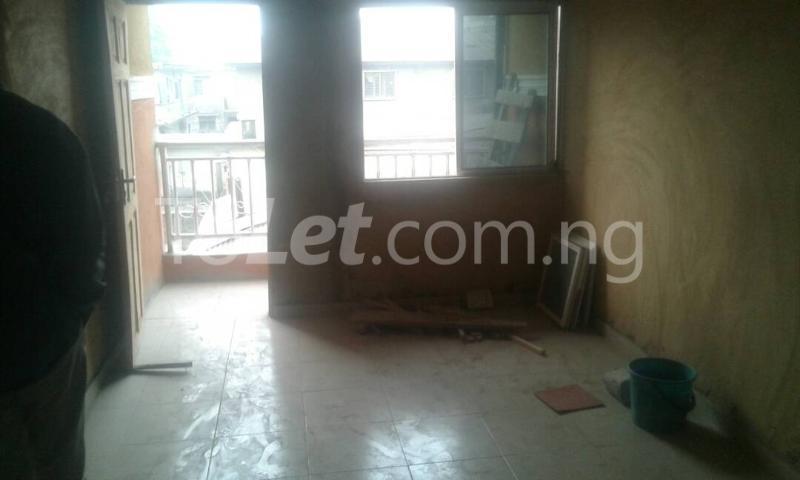 2 bedroom Flat / Apartment for rent Herbert Macaulay way Alagomeji Yaba Lagos - 1