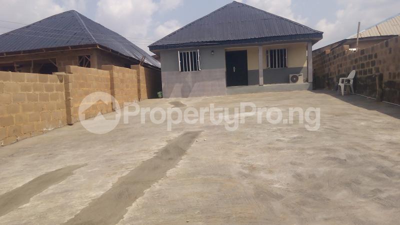 3 bedroom Terraced Bungalow House for sale Alakia isebo road Alakia Ibadan Oyo - 1