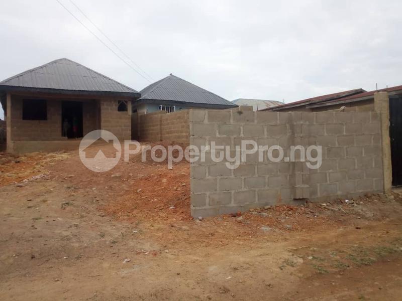 3 bedroom Terraced Bungalow House for sale Alakia isebo road Alakia Ibadan Oyo - 2