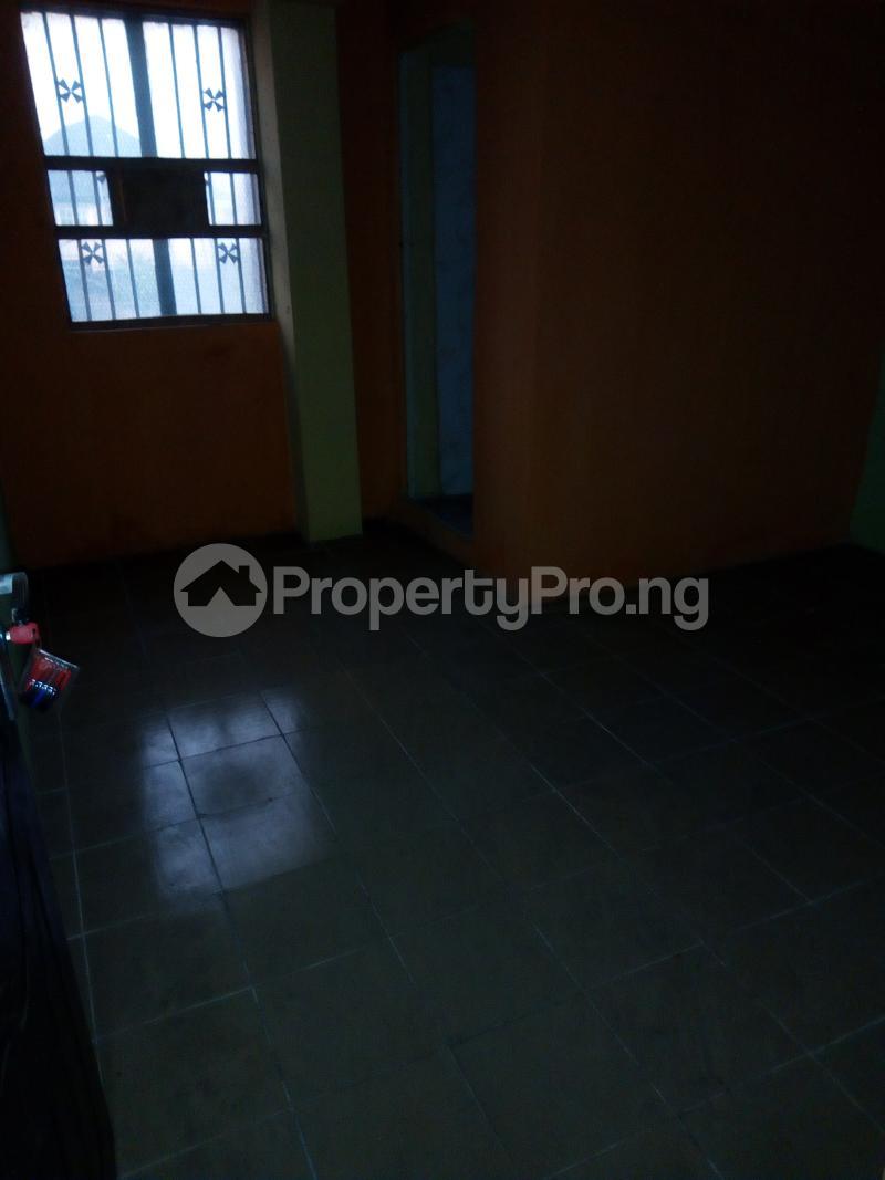 3 bedroom Blocks of Flats House for rent Aina Street  Shomolu Shomolu Lagos - 3