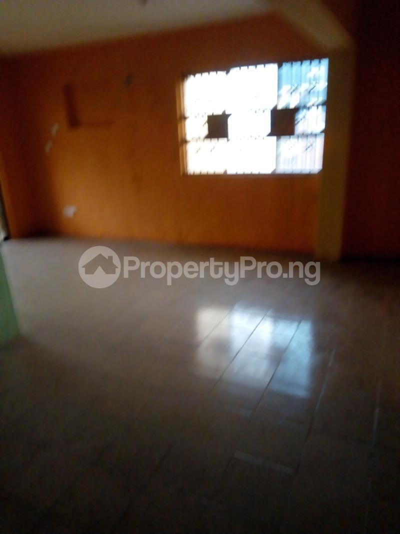 3 bedroom Blocks of Flats House for rent Aina Street  Shomolu Shomolu Lagos - 2