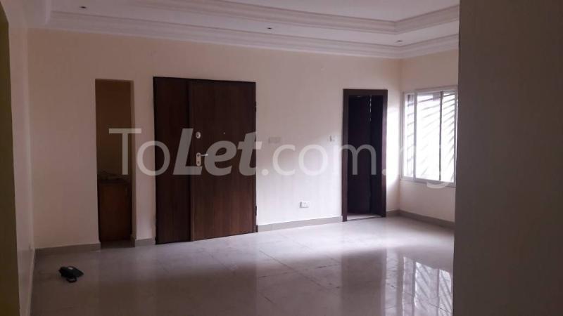 3 bedroom Boys Quarters Flat / Apartment for rent divine mews estate Sabo Yaba Lagos - 2