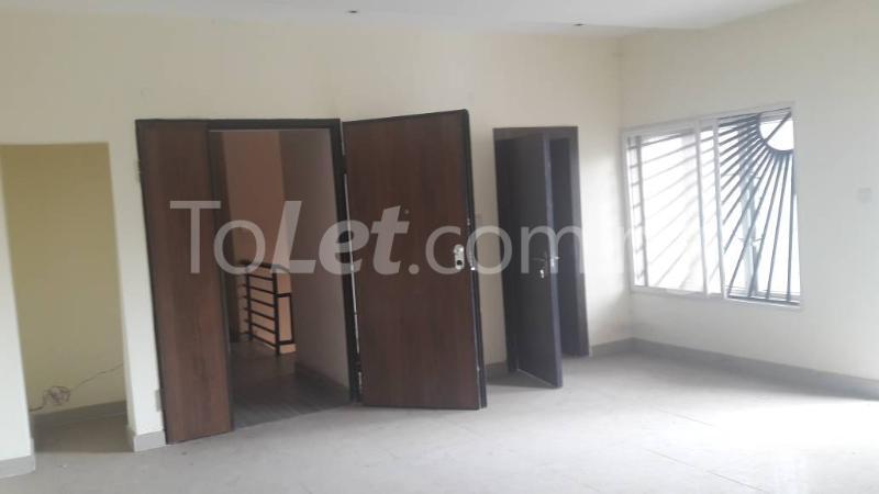 3 bedroom Boys Quarters Flat / Apartment for rent divine mews estate Sabo Yaba Lagos - 5