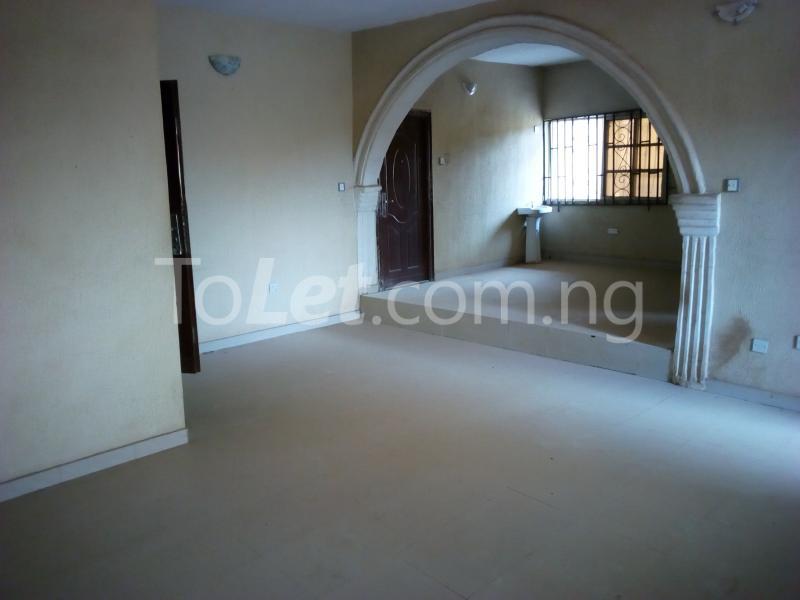 3 bedroom Flat / Apartment for rent Ologuneru street Eleyele Ibadan Oyo - 1