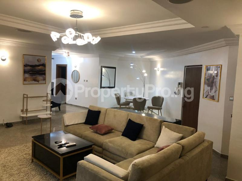 3 bedroom Shared Apartment Flat / Apartment for shortlet . ONIRU Victoria Island Lagos - 5