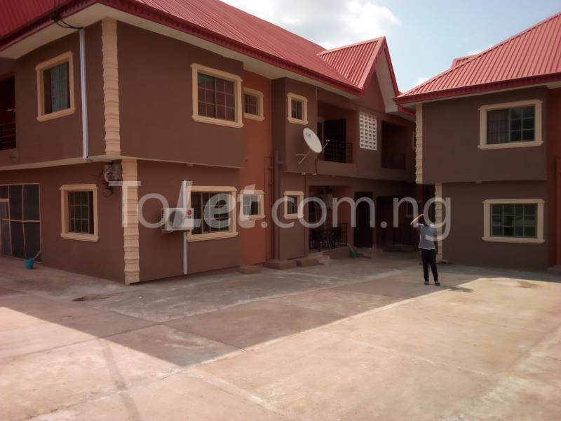 3 bedroom Flat / Apartment for rent Oloruntedo estate, elebu area. Akala Express Ibadan Oyo - 0