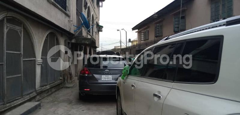 3 bedroom Flat / Apartment for rent Shomolu Shomolu Lagos - 4