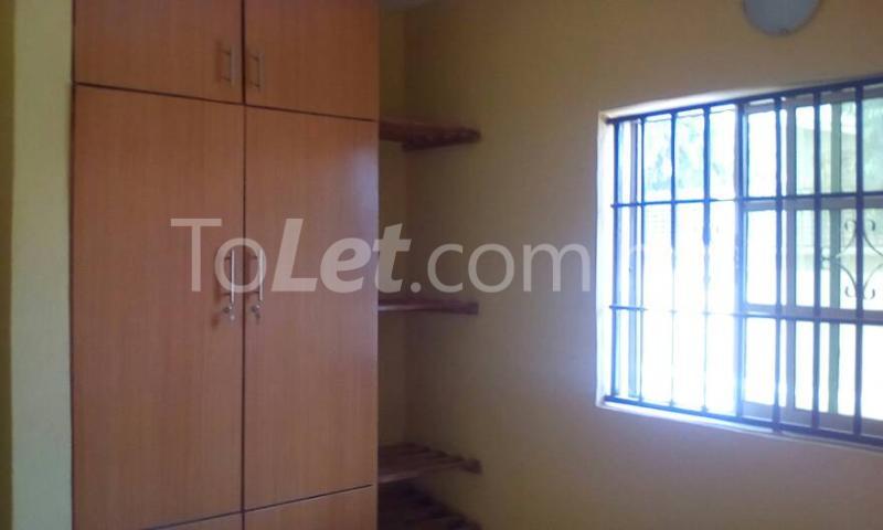 3 bedroom Flat / Apartment for rent Oloruntedo estate, elebu area. Akala Express Ibadan Oyo - 2