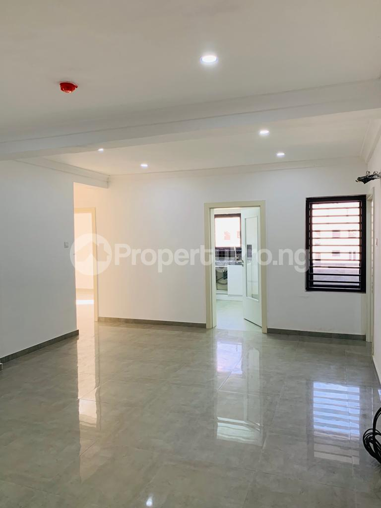 3 bedroom Flat / Apartment for rent Osapa london Lekki Lagos - 3