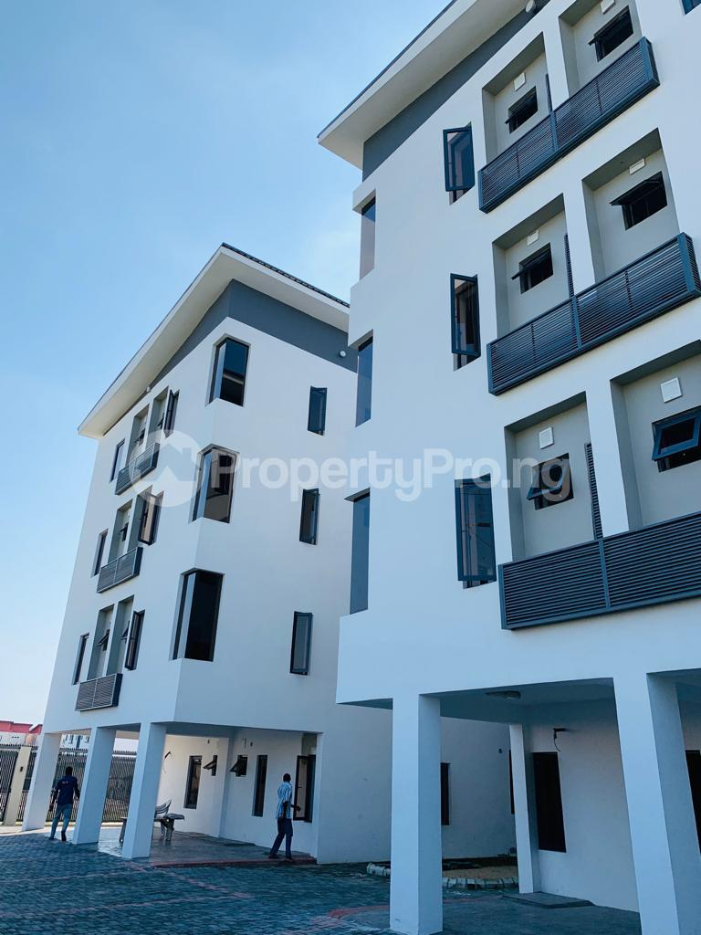 3 bedroom Flat / Apartment for rent Osapa london Lekki Lagos - 10