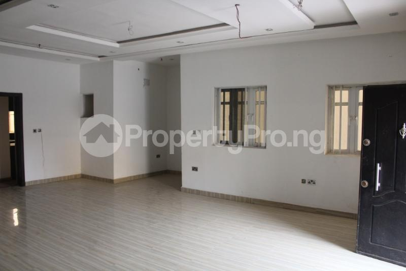 3 bedroom Shared Apartment Flat / Apartment for shortlet . ONIRU Victoria Island Lagos - 4