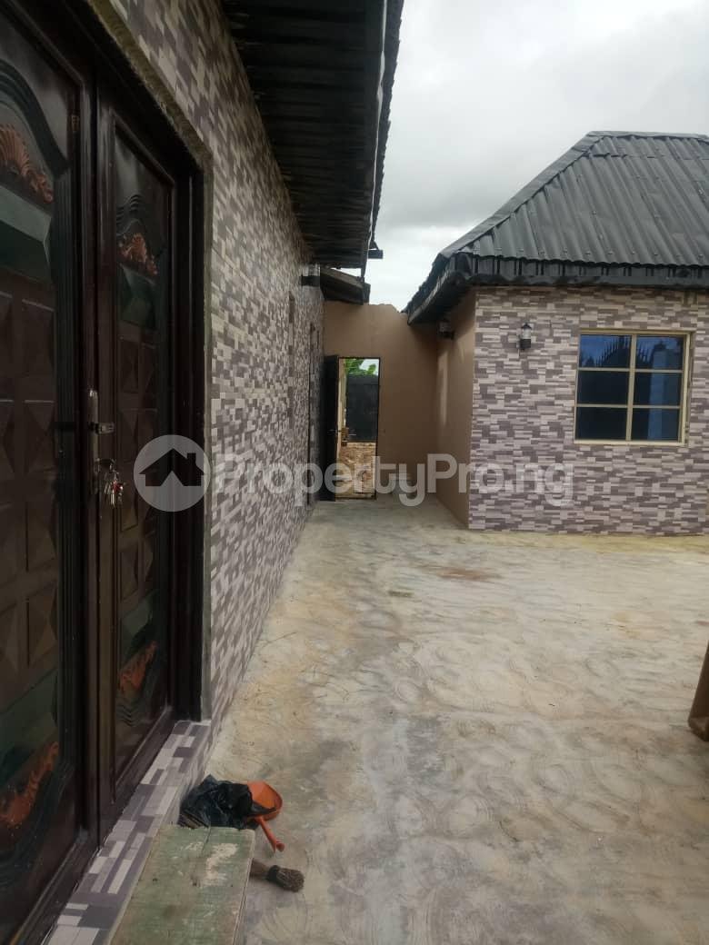 3 bedroom Detached Bungalow House for sale magboro Magboro Obafemi Owode Ogun - 6
