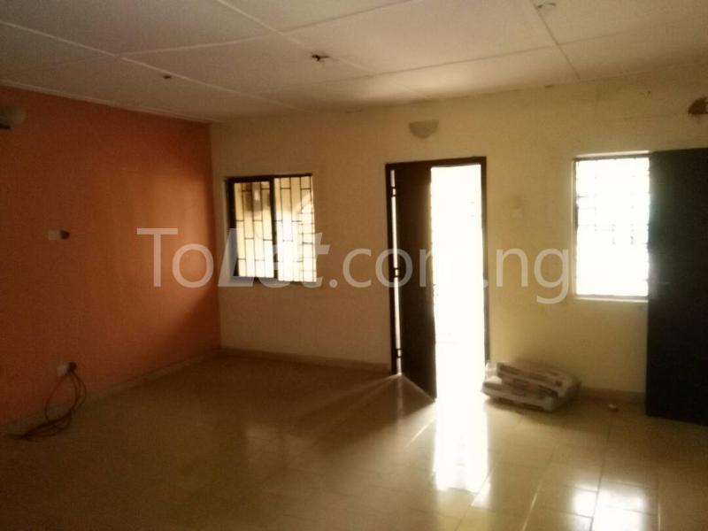 1 bedroom mini flat  House for rent along Oduduwa crescent Ikeja GRA Ikeja Lagos - 3