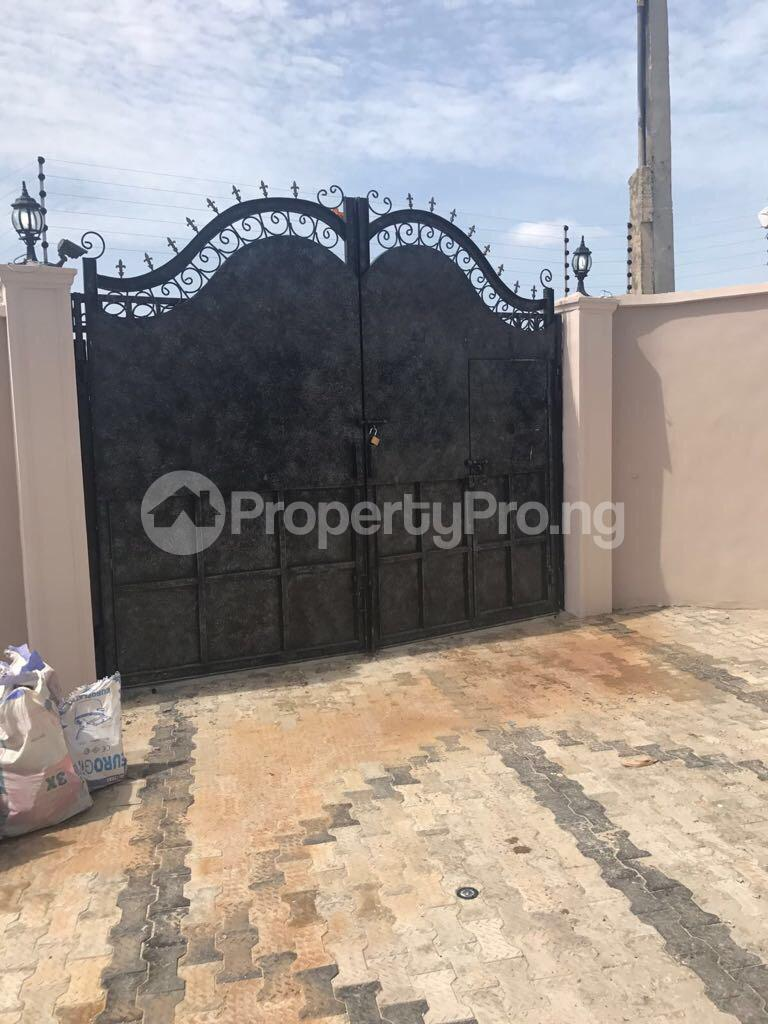 3 bedroom Semi Detached Bungalow House for sale Odogunyan Odongunyan Ikorodu Lagos - 11