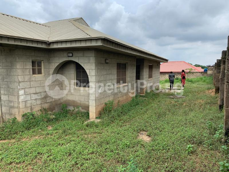 3 bedroom Detached Bungalow House for sale Moniya Ibadan Oyo - 3