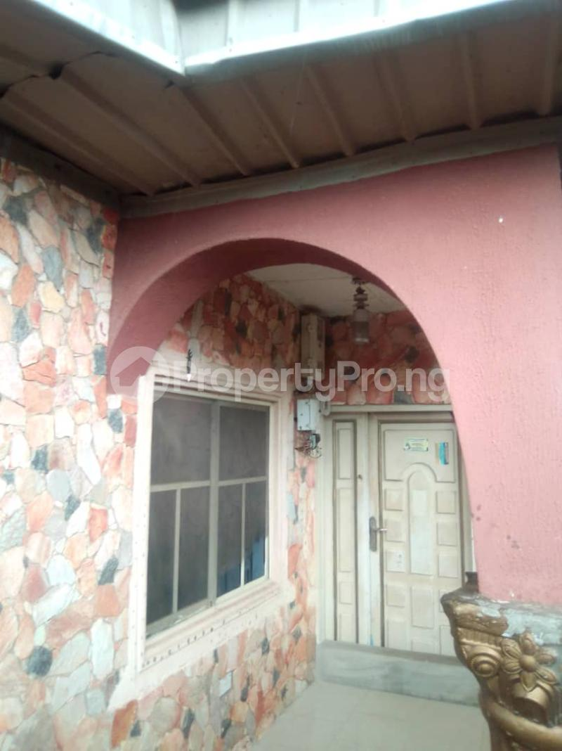 4 bedroom Detached Bungalow House for sale 3 bedroom bungalow at Olupoyi Apata after After Bembo ibadan Oluyole Estate Ibadan Oyo - 3