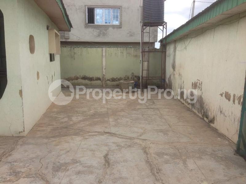3 bedroom Detached Bungalow House for sale remikoya estate oluyole ibadan Ibadan Oyo - 2