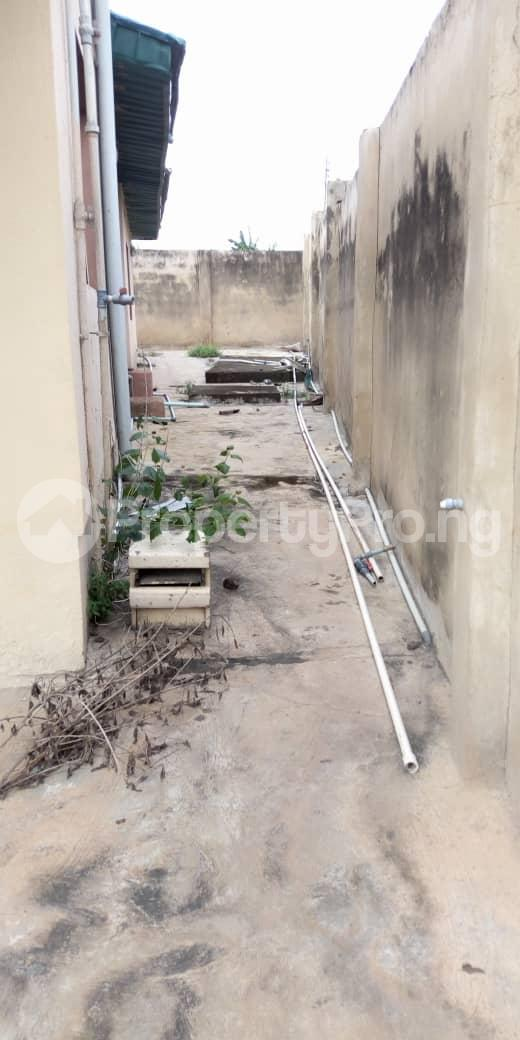 4 bedroom Terraced Bungalow House for sale  behind taas College jiboye area omi Adio ibadan Ido Oyo - 0