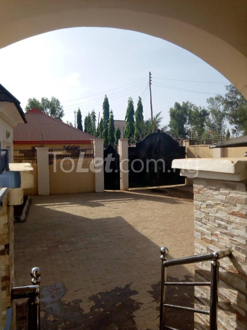 3 bedroom House for sale Angwan makama,General hospital sabon tasha Kaduna South Kaduna - 1