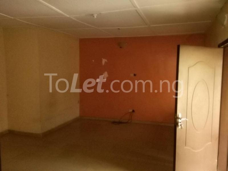 1 bedroom mini flat  House for rent along Oduduwa crescent Ikeja GRA Ikeja Lagos - 4