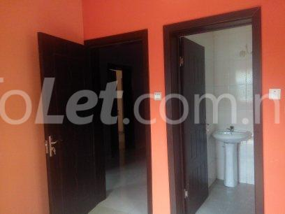 3 bedroom Office Space Commercial Property for rent otedola area Omole phase 2 Ojodu Lagos - 3