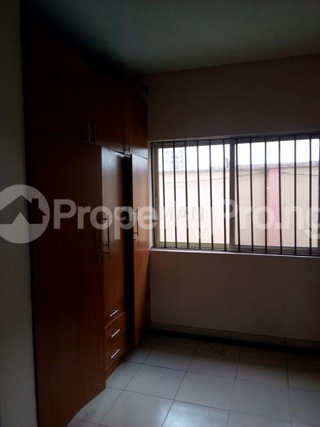 3 bedroom Flat / Apartment for rent magodo phase 2 Kosofe/Ikosi Lagos - 9