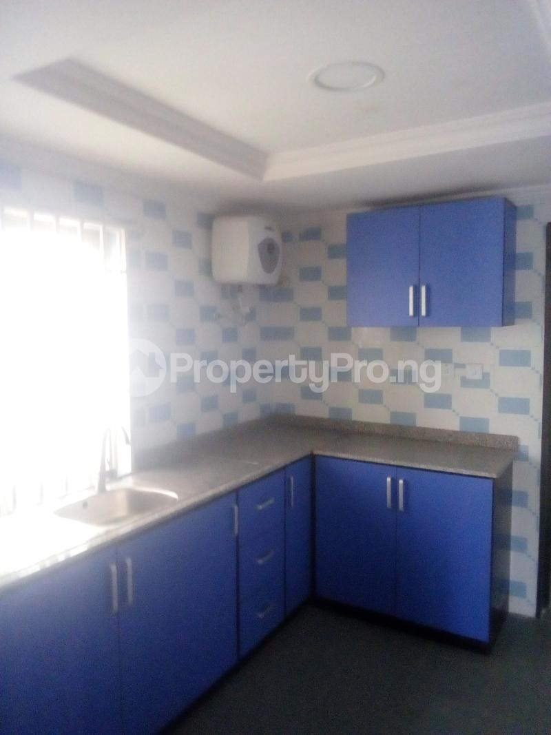 3 bedroom Flat / Apartment for rent Ladipo labinjo off  Bode Thomas Surulere Lagos - 4