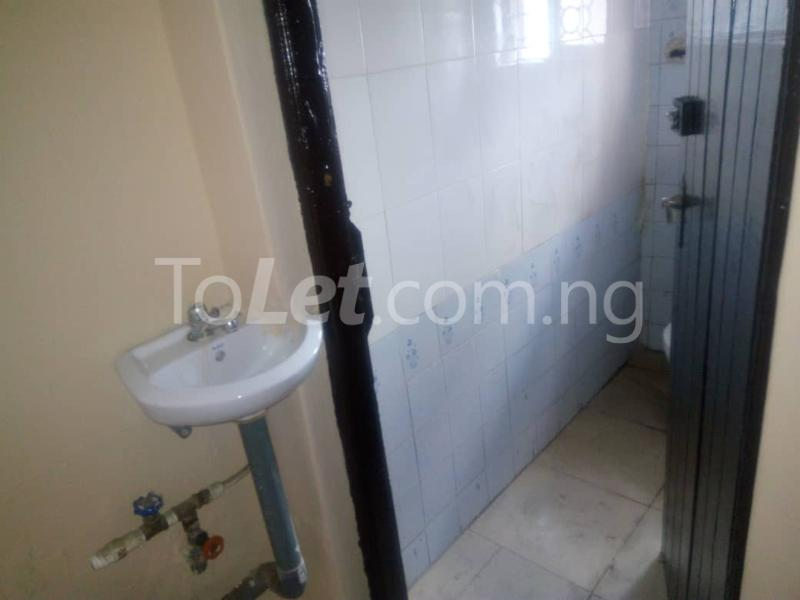 3 bedroom Flat / Apartment for rent pedro Palmgroove Shomolu Lagos - 3