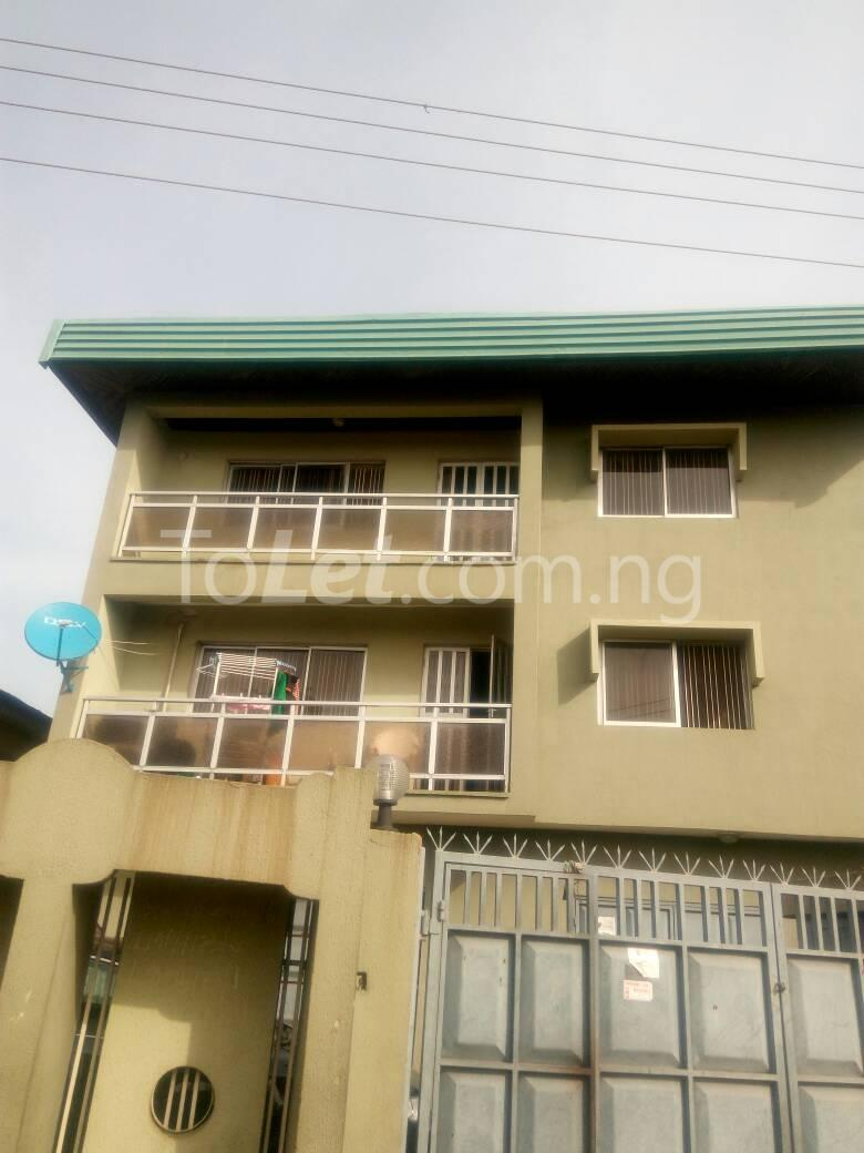 3 bedroom Flat / Apartment for rent - Palmgroove Shomolu Lagos - 0