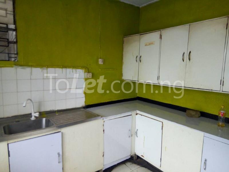 3 bedroom Flat / Apartment for rent - Ilupeju Lagos - 7