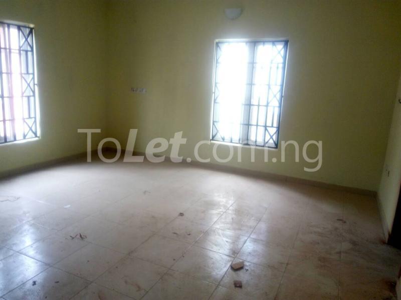 3 bedroom Flat / Apartment for rent Bajulaye  Fola Agoro Yaba Lagos - 5