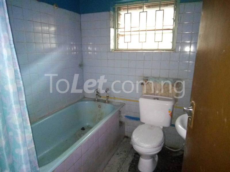 3 bedroom Flat / Apartment for rent - Ilupeju Lagos - 8