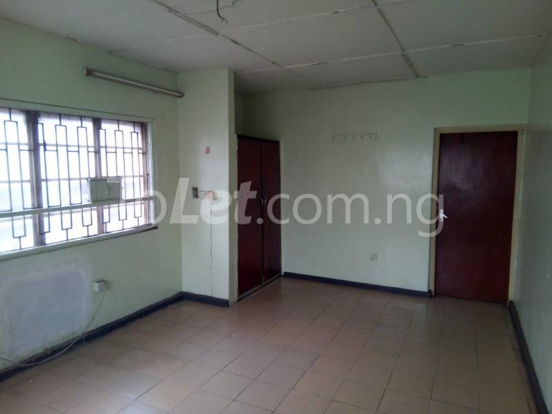 3 bedroom Flat / Apartment for rent - Ilupeju Lagos - 9