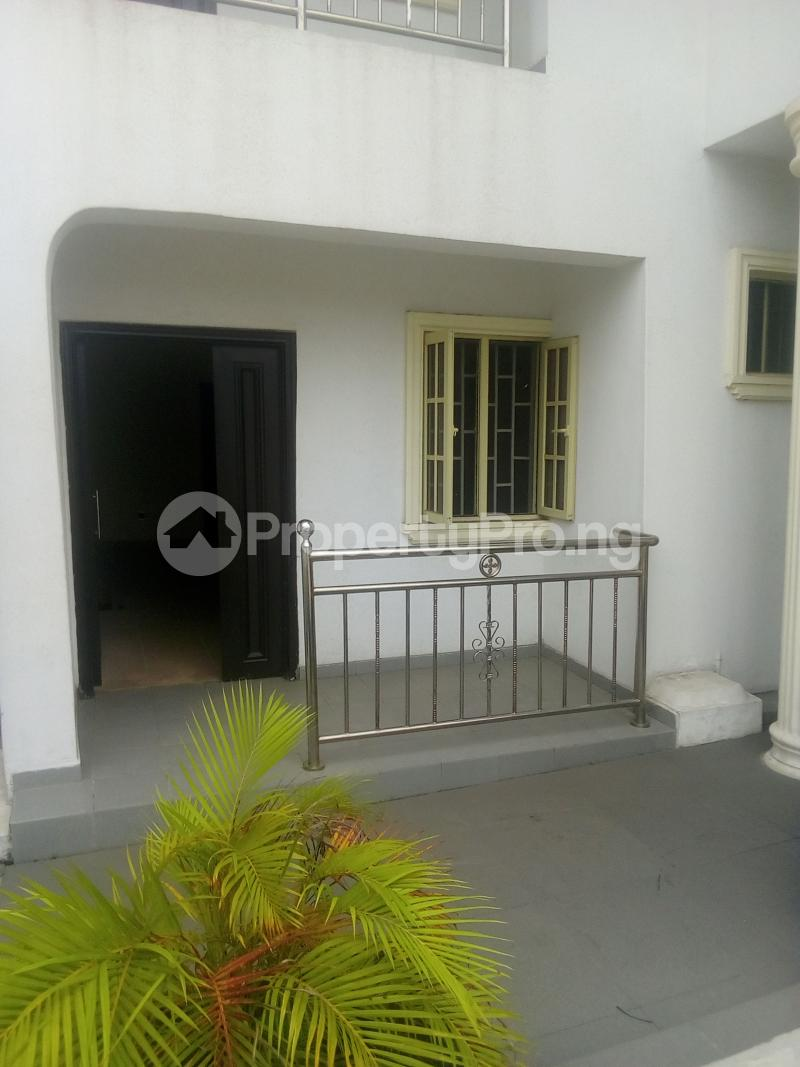 3 bedroom Flat / Apartment for rent Ladipo labinjo off  Bode Thomas Surulere Lagos - 6