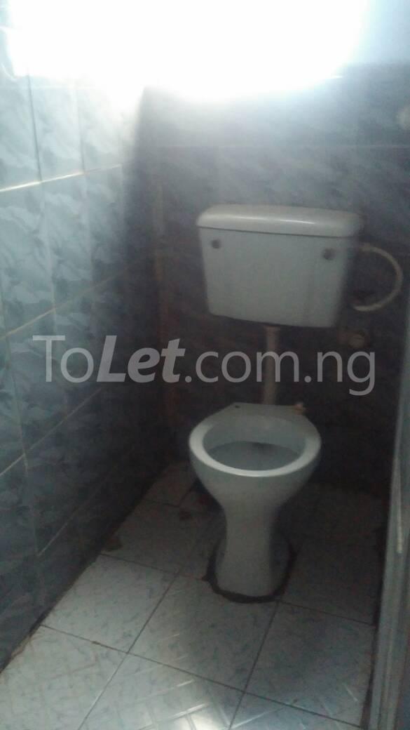 3 bedroom Flat / Apartment for rent  off ishaga road close to lawanson Lawanson Surulere Lagos - 8