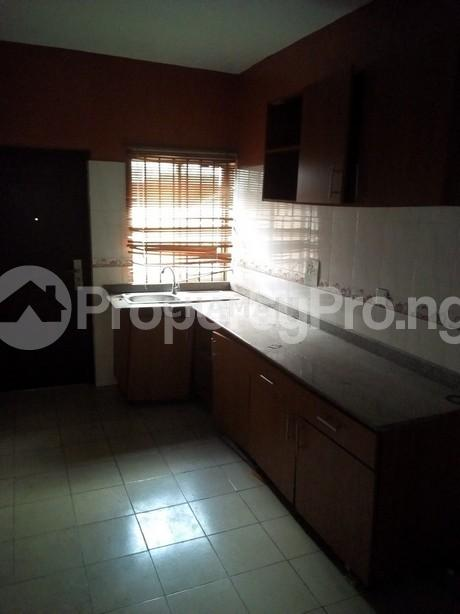 3 bedroom Flat / Apartment for rent magodo phase 2 Kosofe/Ikosi Lagos - 4