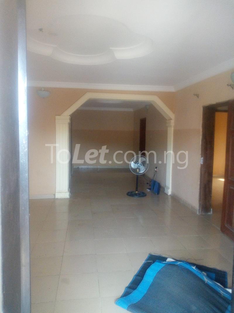 3 bedroom Flat / Apartment for rent Aare Oluyole Estate Ibadan Oyo - 1