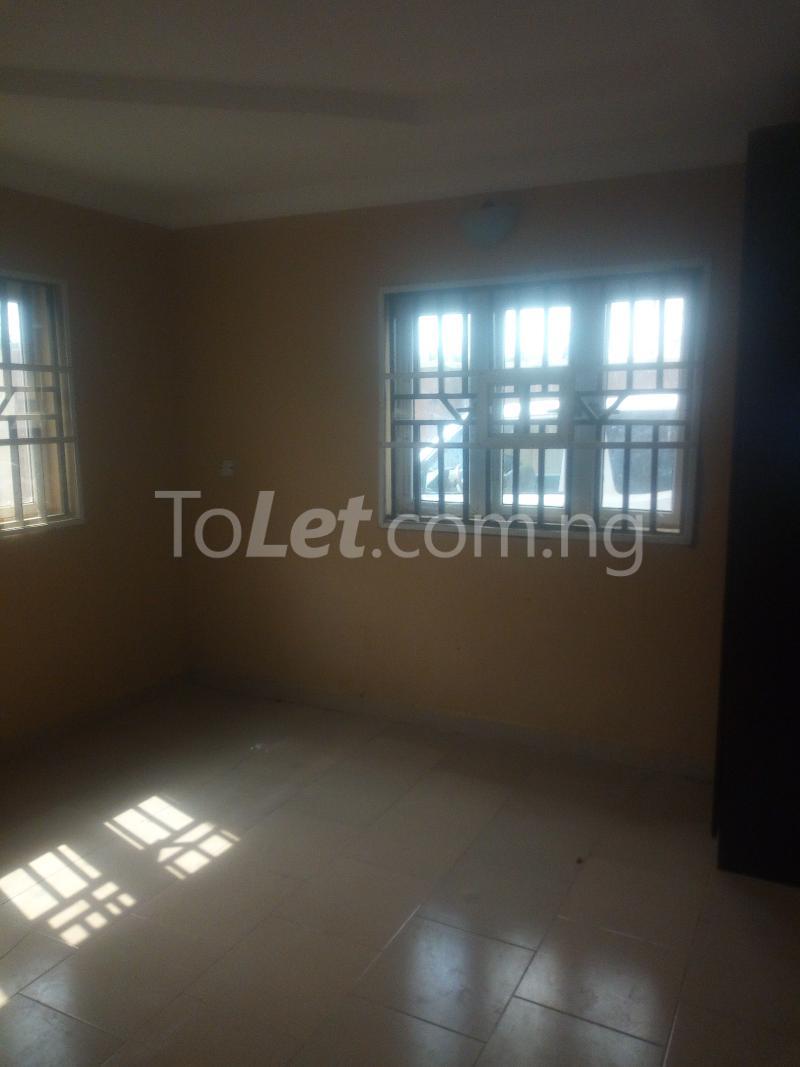 3 bedroom Flat / Apartment for rent Aare Oluyole Estate Ibadan Oyo - 3