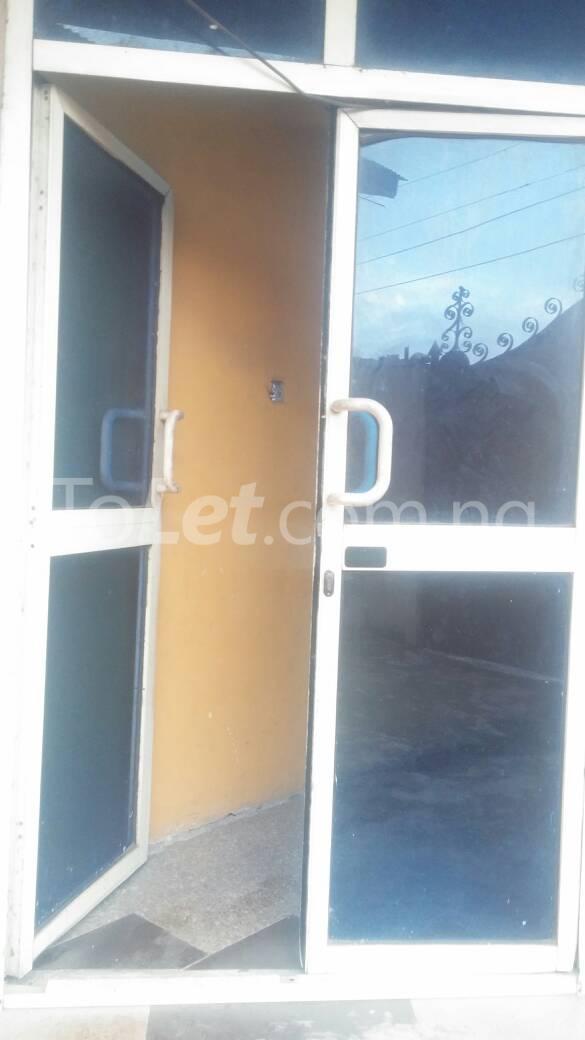 3 bedroom Flat / Apartment for rent  off ishaga road close to lawanson Lawanson Surulere Lagos - 2