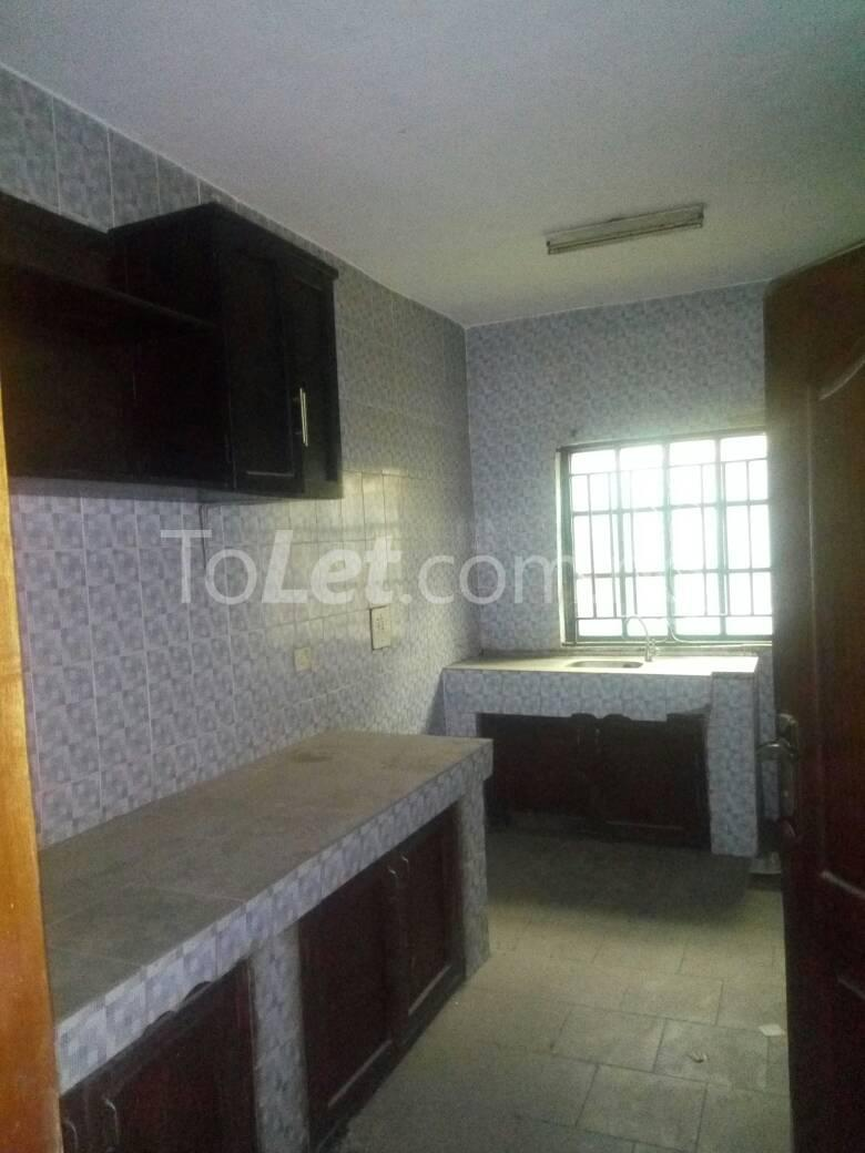 3 bedroom Flat / Apartment for sale Off Oriola street Alapere Kosofe/Ikosi Lagos - 8