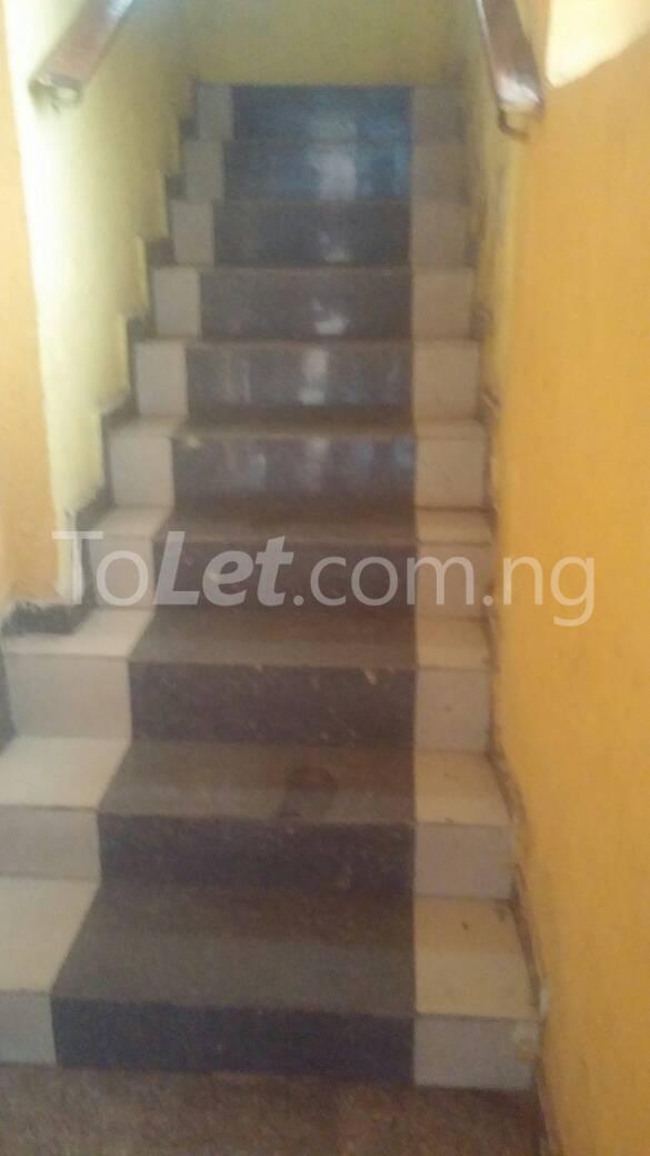 3 bedroom Flat / Apartment for rent  off ishaga road close to lawanson Lawanson Surulere Lagos - 3