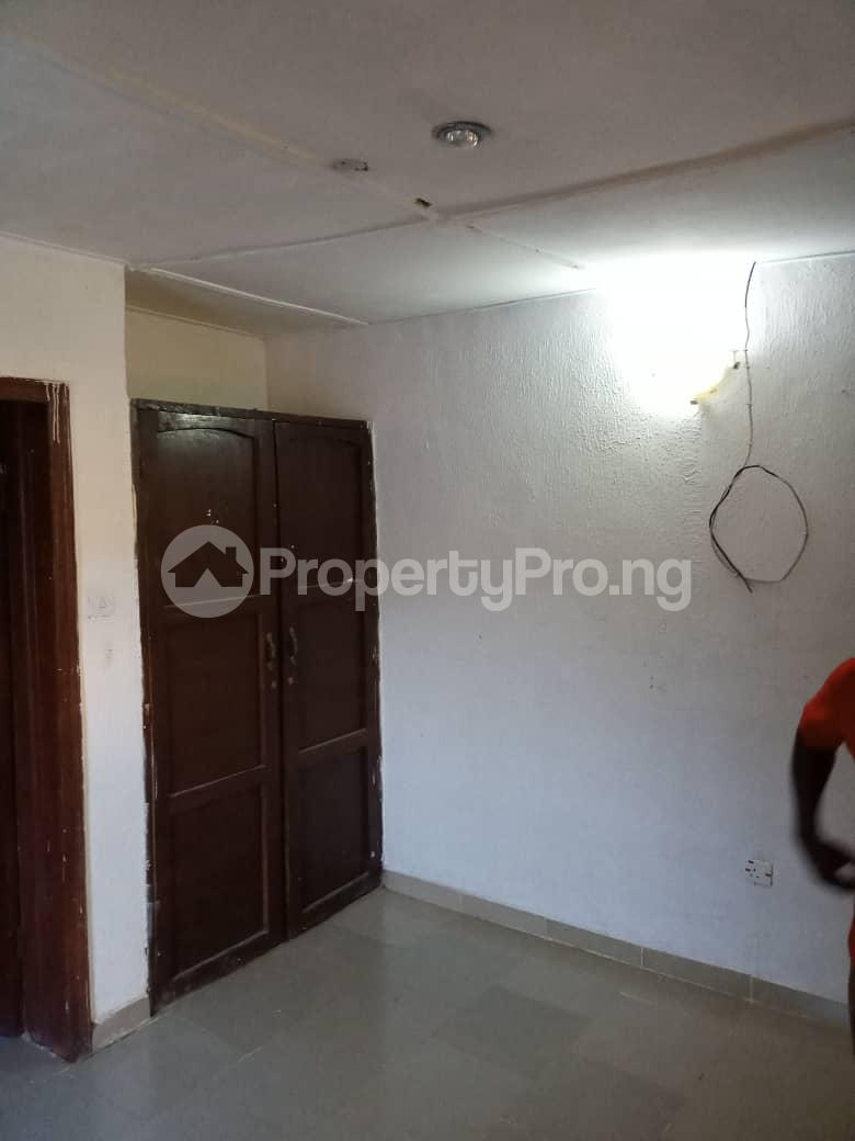 3 bedroom Flat / Apartment for rent Ayilara Oluyole Estate Ibadan Oyo - 2