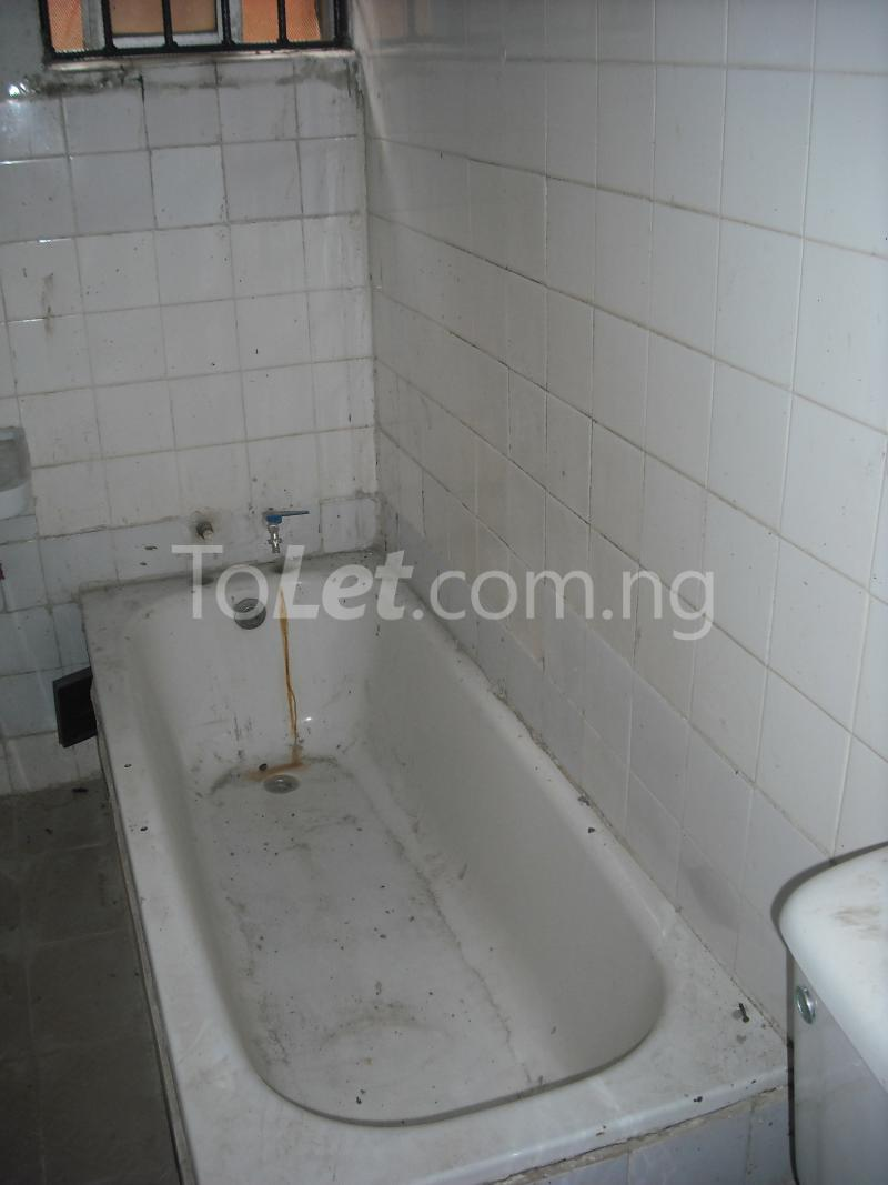 3 bedroom Flat / Apartment for rent 34, Ajayi Road Ogba, Lagos Ajayi road Ogba Lagos - 8