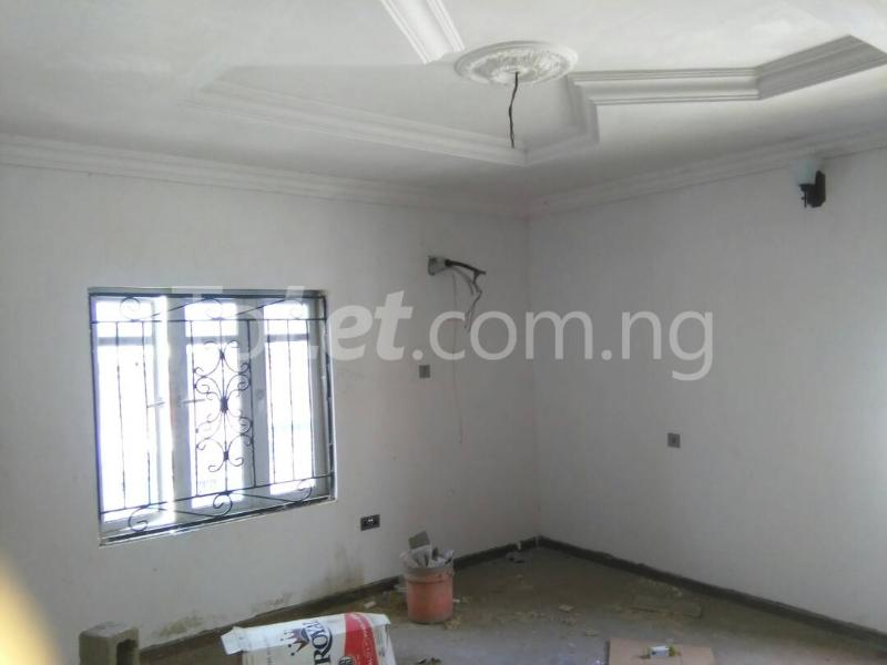3 bedroom Flat / Apartment for rent No sobo siffre street, Arowojobe Estate,Mende Maryland, Lagos. Mende Maryland Lagos - 4