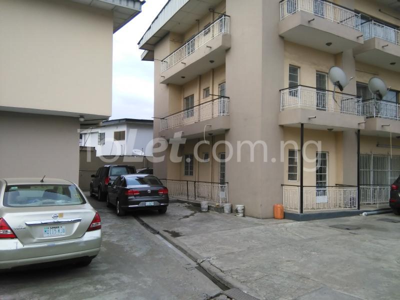 3 bedroom Flat / Apartment for rent Abiodun oshowole cl Opebi Ikeja Lagos - 0