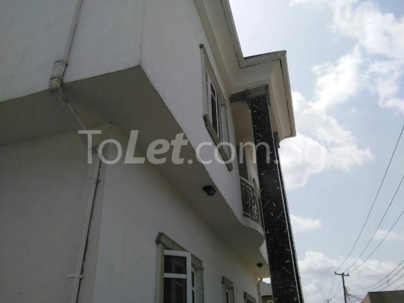 3 bedroom Flat / Apartment for rent No sobo siffre street, Arowojobe Estate,Mende Maryland, Lagos. Mende Maryland Lagos - 1